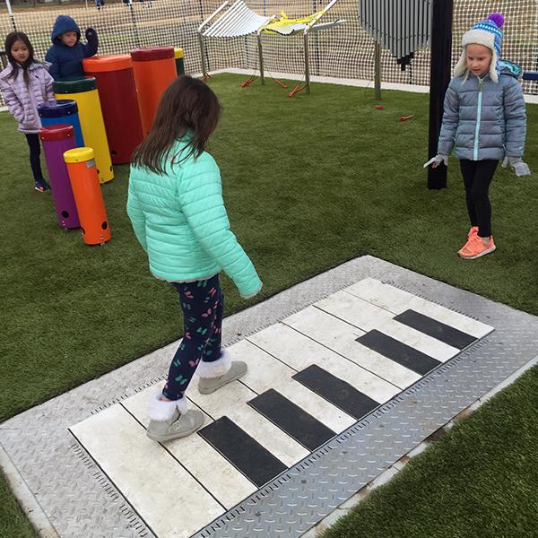2640689907_600x600-Piano-2-Park-Hill