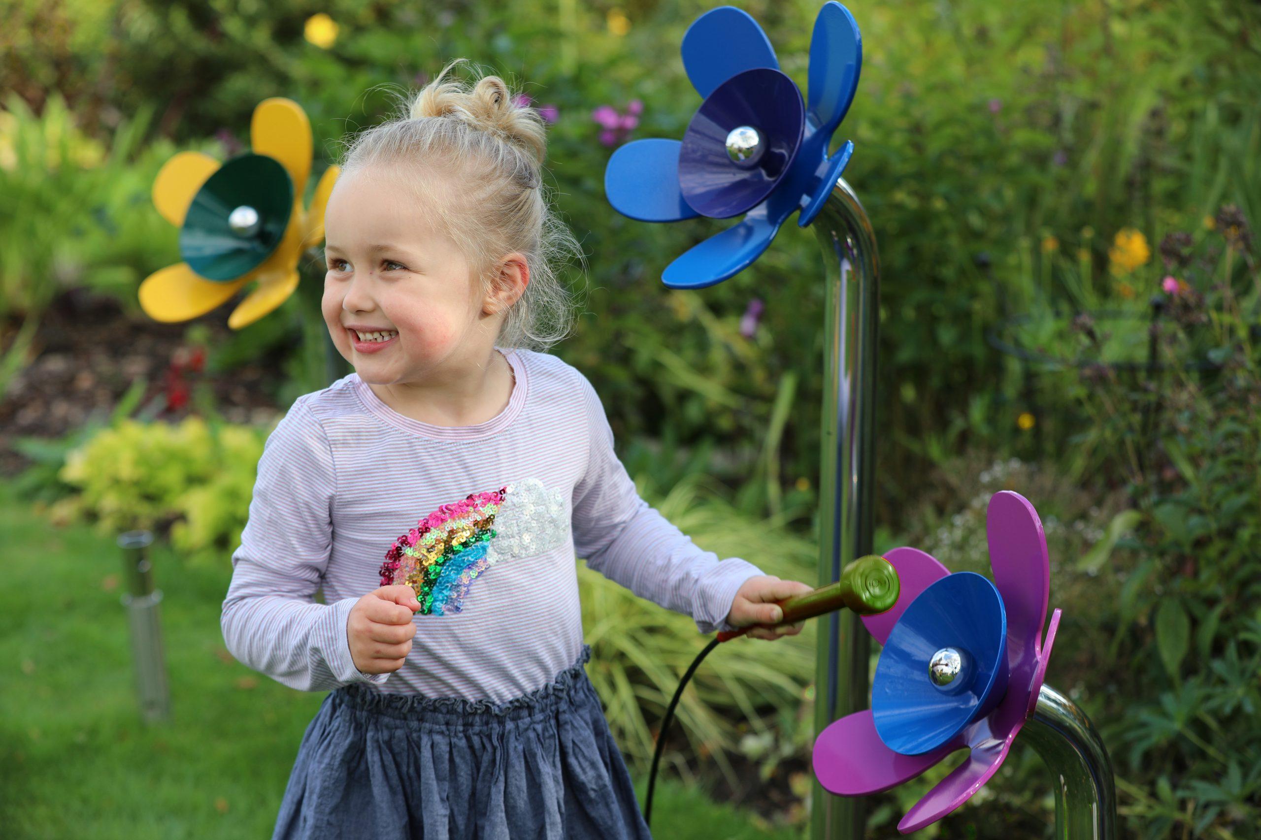 Harmony Flowers (Blue) L Ella 2